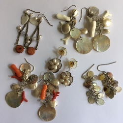 Set of 5 different earrings, with shells, wood, faux pearls etc (3 packs in stock)